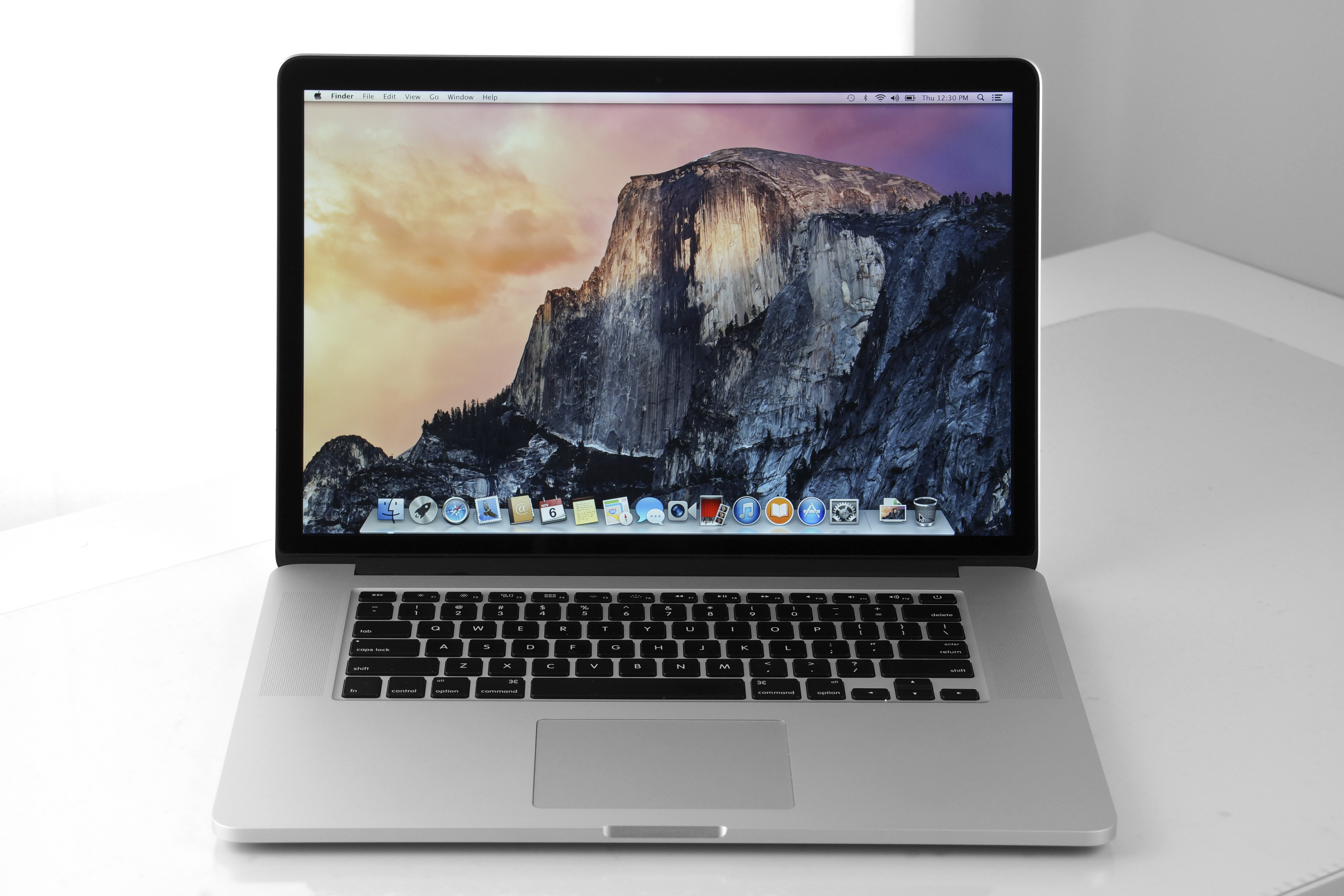 "Apple Macbook Pro A1398 - Core i7 4850 HQ 2.3Ghz, 16GB RAM, 256GB SSD HDD, 15"" Screen - Refurbished"